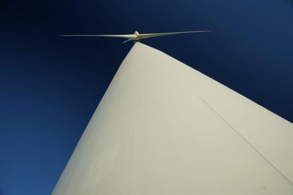 Starfish Hill wind farm tower