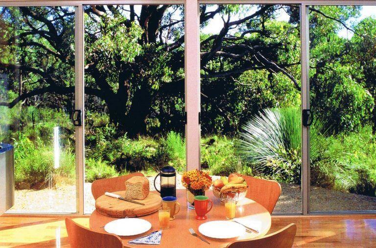6.Ridgetop Retreats dining
