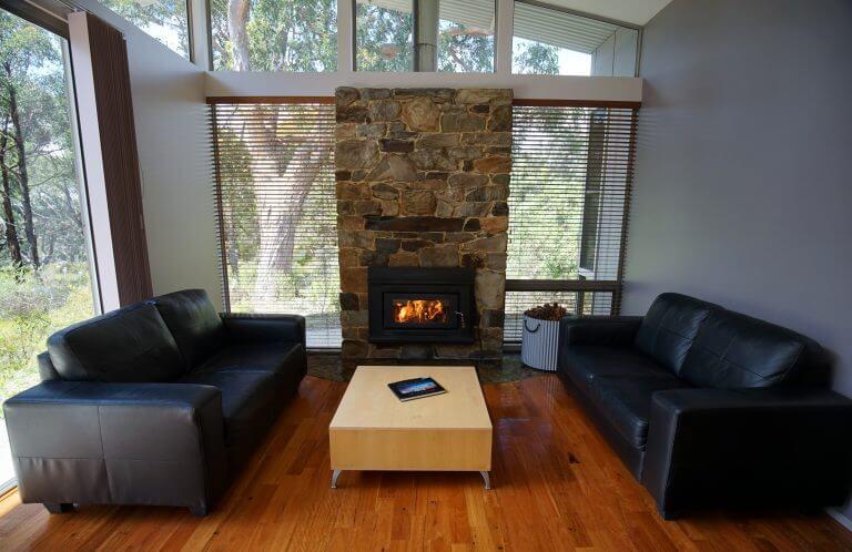 7.Ridgetop Retreats lounge