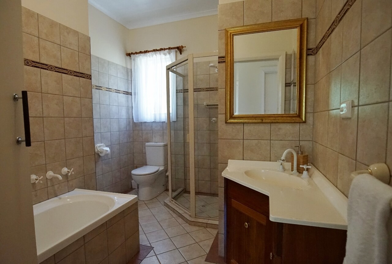 Homestead main bathroom